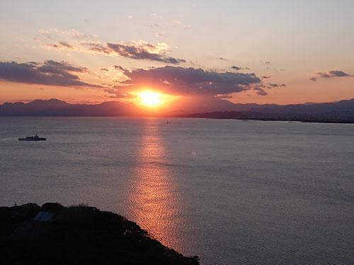 江ノ島からの夕日 キャンドルタワーにて