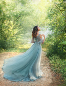 女神ブルーグレイドレス