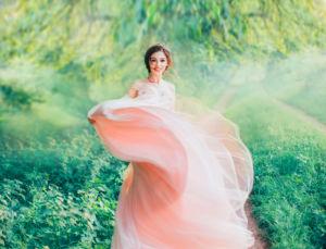 ピーチピンクドレス女神